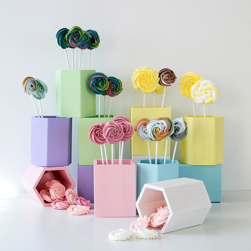 US $7 12 20% OFF|SWEETGO Straw holder cake table decoration Makeup brush  Storage flowers vase background Scenery props lollipop Straw wood pot -in