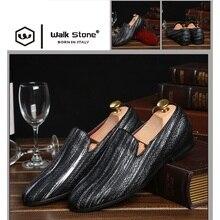 Neue Handgemachte Lange Gold Niet Männer Rote Untere Faulenzer Gentleman Luxus-mode Stress Schuhe Männer Hochzeit und Partei Slip auf wohnungen