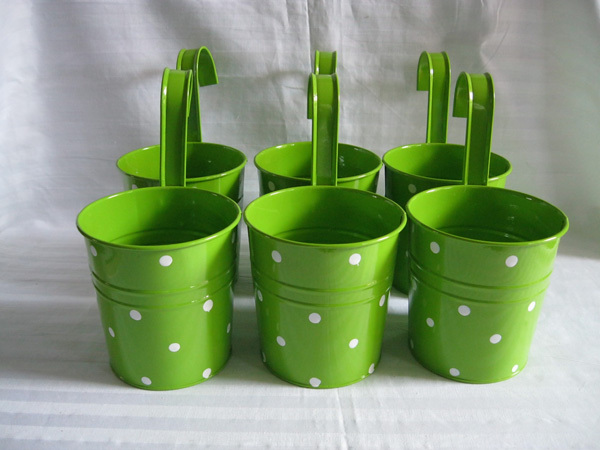 10pcs Lot Green Metal Flower Pot Hook Planter Hanging Buckets Wall Balcony Tub Dot Design In Pots Planters From Home