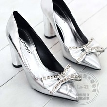 Spitzen Dekoration Verzierte Heißer Verkauf Billige Schuhe China Red Heels Pumpen Bogen Prom Bling Hochwertigen Zeigen Sonderangebot Modelle
