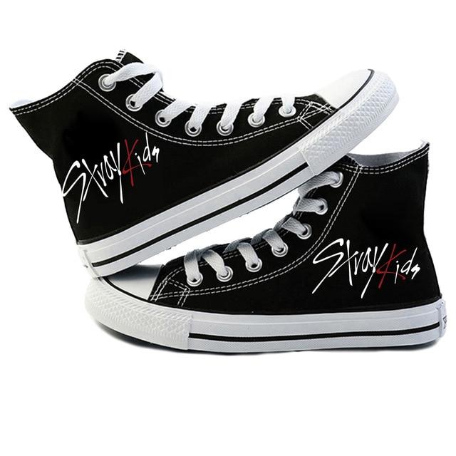 Mới KPOP Straykids Giày Sneakers Thời Trang Nữ Đi Lạc Trẻ Em Giày Vải Jeongin Felix Bangchan Minho Changbin Vogue