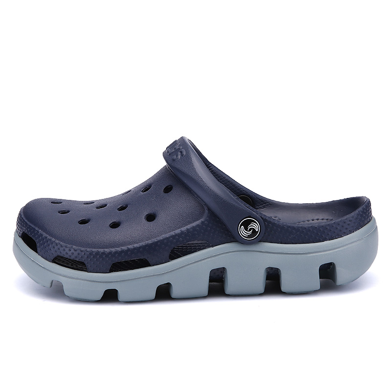Men Croc Shoes Casual Slip-on Clogs 2018 New Summer Hollow-out Water Sandals Breathable&light Slippers Flip-flops Big Size 39-47