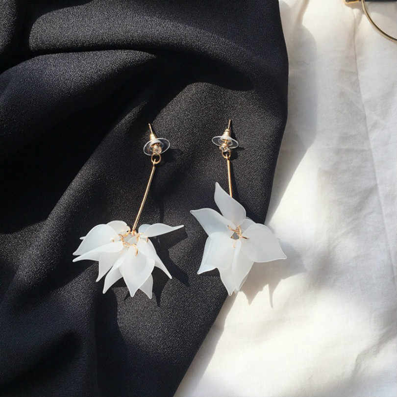 Fashion Jewelry Simple Lotus Petals Women's Long Earrings Vintage Boho Style Earrings Lotus Petal Statement Big Earrings