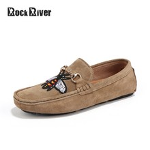 Designer Bee Shoes Men 2019 Luxury Brand Suede Leather Shoes Men Flats  Casual Shoes Slip On Mens Loafers Moccasins High Quality 1c27eb72bc08