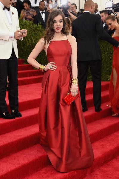 2015-Met-Gala-Hailee-Steinfeld-Sexy-Red-Carpet-Celebrity-Prom-Dress-With-Taffeta-Backless-A-Line (2)