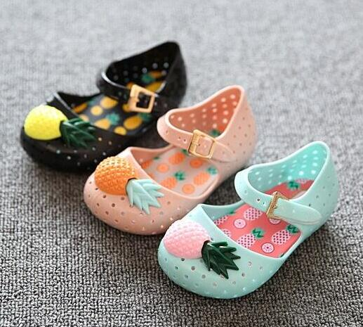 2017 new childrens sandals boys and girls fashion cute jelly holes non-slip breathable casual sandals size 24-29