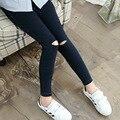 2017 новый синий черный тощий рваные джинсы для девочек весна осень дети рваные джинсы джинсовые брюки карандаш брюки детская одежда