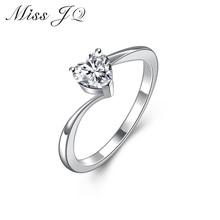 2017 New Fashion luxurious Jewelry Women Heart Rhinestone Silver Rings  Elegant Wedding Engagement Bague Female Ring Bijoux
