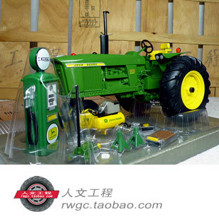 KNL HOBBY J Deere tractor agricultural vehicle gas station model children toy US ERTL 1:16 combination цена