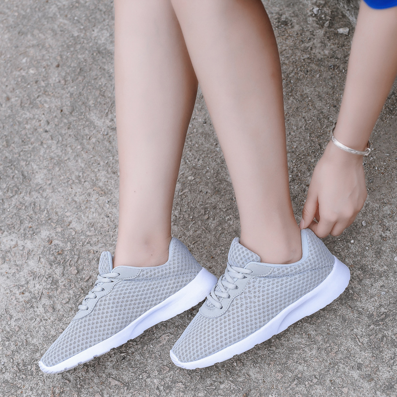 Light Casual Shoes Fashion 2018 New Mens Shoes Men Sneakers Casual Men Shoe Summer Mesh Men Jogging Chaussure Homme Lover Shoes