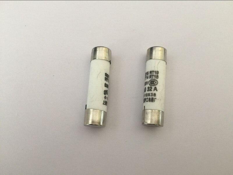 20PCS Fuse R015 2A 500V 10 * 38 ceramic fuse fuse