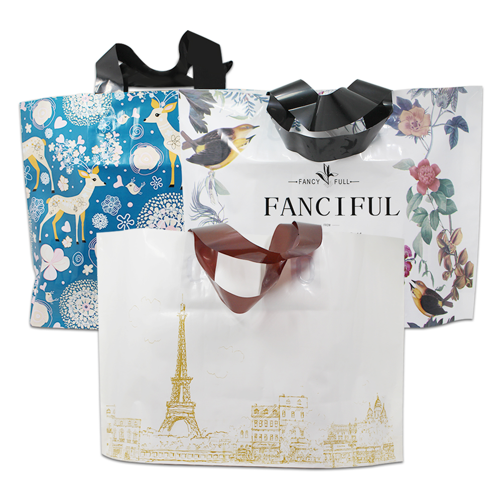 30Pcs Fashion Plastic Shopping Bag With Handle Eiffel Towle Deer Printed Gift Merchandise Clothes Packaging Store 3 Sizes Retail