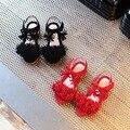 2017 Nuevas muchachas Del Verano zapatos de las sandalias de Los Niños Borlas Rojo Princesa zapatos Planos Cómodos zapatos de bebé niños de la manera sandalias de Las Muchachas