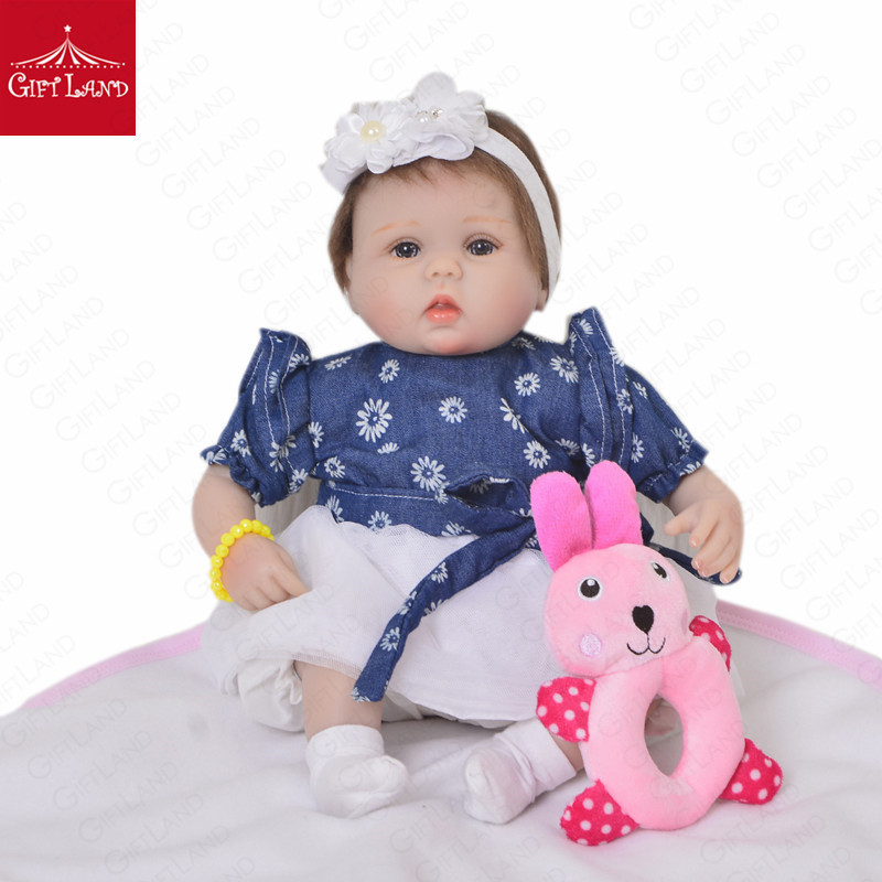 Reborn Baby Doll Baby Girl Doll With Denim Coat And White Skirt Happy Girl Lovely Daisy Little Flower Handmade Mohair Doll HOTReborn Baby Doll Baby Girl Doll With Denim Coat And White Skirt Happy Girl Lovely Daisy Little Flower Handmade Mohair Doll HOT