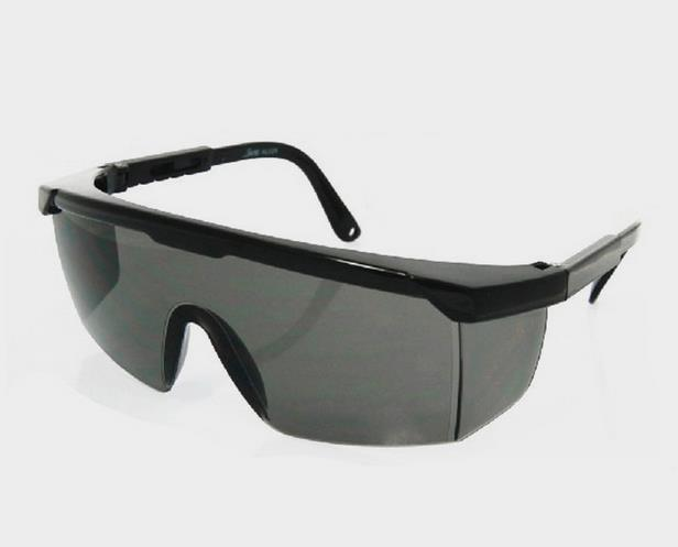 Black picture frame grey lenses cycling labor goggles windproof sand proof sun glasses picture proof