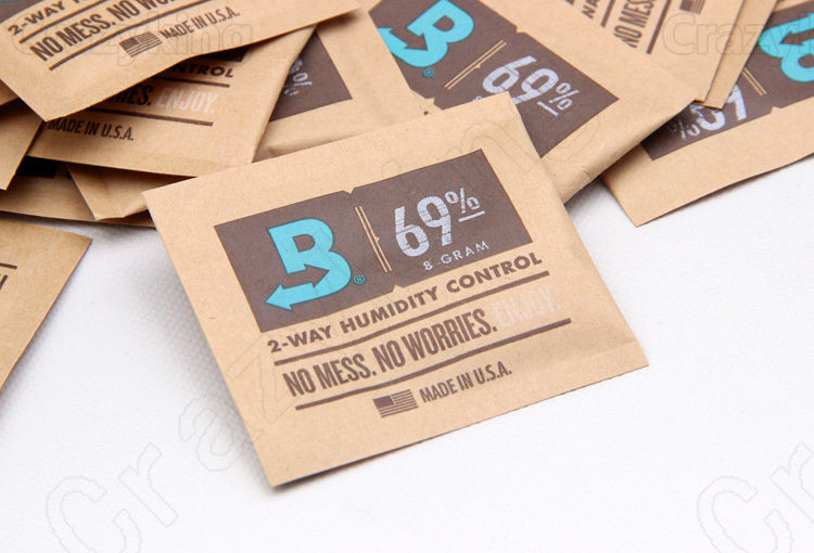 Small Size 69% <font><b>Boveda</b></font> 8 Gram 2-Way Humidity Control Humidipak Humidifier image
