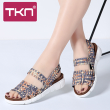 TKN 2019 קיץ נשים סנדלי נעלי נשי ארוג אלסטי נעלי גבירותיי סנדלים שטוחים רב צבעים עקב פתוח סנדלים לנשים 802