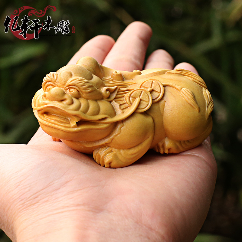 Brave yueqing boxwood carving wooden hand pieces with wood carving
