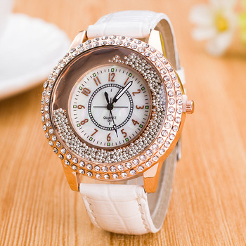 цена Women Fashion Quartz Watch Clock Women Leather Casual Dress Women's Wrist Watches Rose Gold Crystal reloje mujer montre femme онлайн в 2017 году