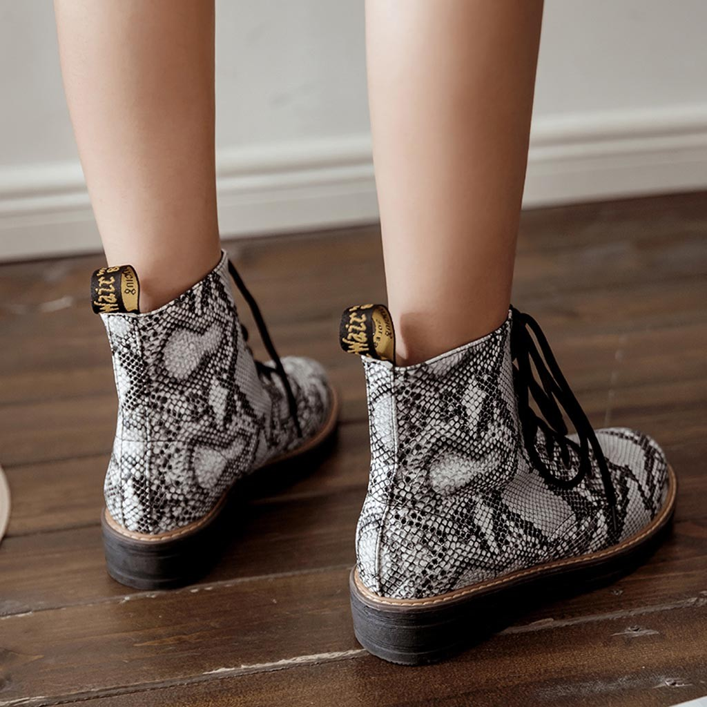 Women Single Boots Snake Print Flat with Round Head Lace Large Size Ankle Boots