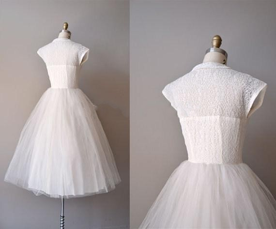 ee0a9e553354 Vintage Reserved Lace 1950s Wedding Dresses Sheer Peter Pan Collar A Line  Cap Sleeves Knee Length Tulle 50' Bridal Gowns-in Wedding Dresses from  Weddings ...