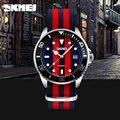 Estilo británico de la marca reloj de cuarzo reloj de los hombres del bromista de la manera correa ocasional de los hombres relojes de cuarzo 30 m impermeable de nylon reloj skmei