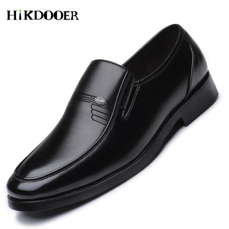 b85f67348 Homens de luxo Da Marca de Couro de Negócios Formais Sapatos Masculinos  Sapatos de Trabalho de Escritório Sapatos Baixos Oxford Respirável Sapatos  da Festa ...