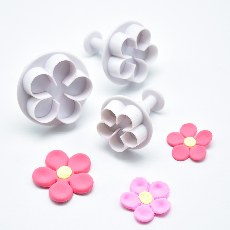 3Pcs Cookie <font><b>Cutter</b></font> <font><b>Flower</b></font> Plunger DIY <font><b>Cake</b></font> Fondant Mold Plastic KItchen Gadgets <font><b>Cake</b></font> <font><b>Decorating</b></font> <font><b>Tools</b></font> Baking Accessories image