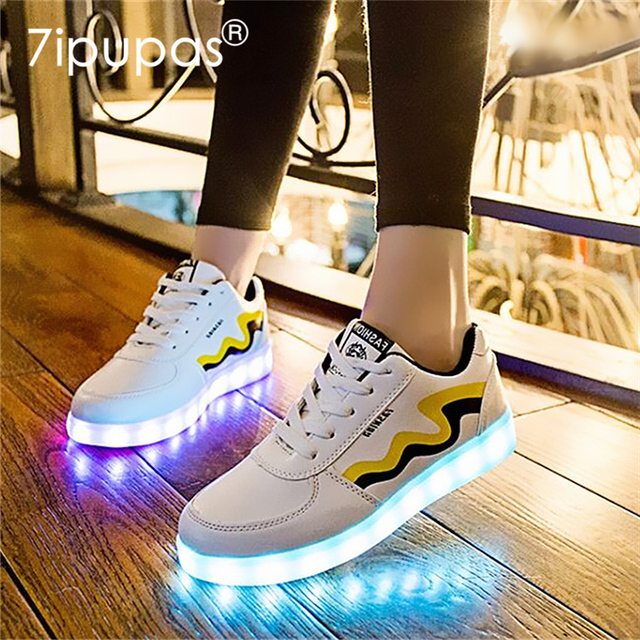 Homme et Femme Mode Superstar Éclairage LED Chaussures Grande Taille USB Charge Noir Blanc Glow Chaussures Chaussure Lumineuse bSbmT
