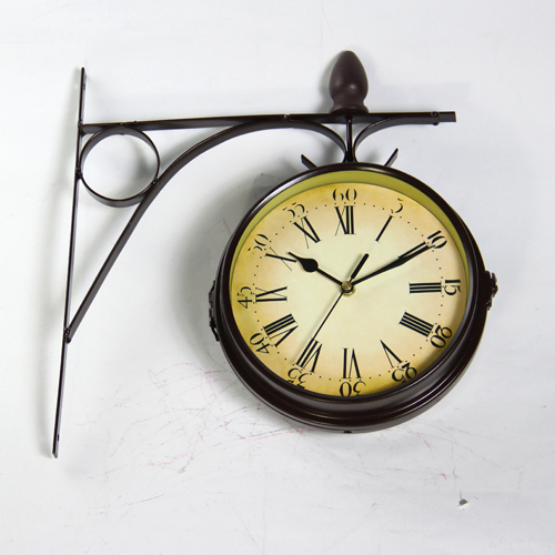 Antique Imitation Iron Double Face Wall Art Clock Decor Metal Hanging Craft Embellishment Accessories for Lobby and Corridor