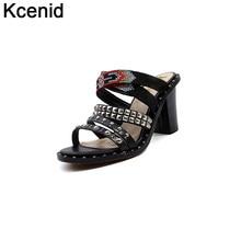 d7c74d29f Kcenid chinelos de couro Genuíno de salto alto mulheres plataforma do punk  sandálias de dedo aberto rebites studded sapatos de v.