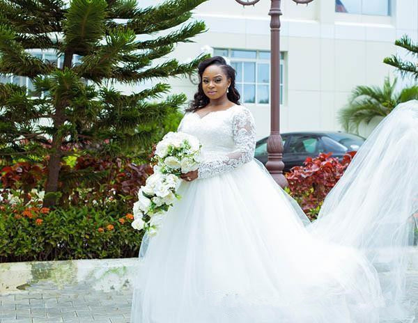 New Plus Size African Wedding Dresses Sweep Trian Lace Appliques Long Sleeves Bridal Dresses Arabic gown