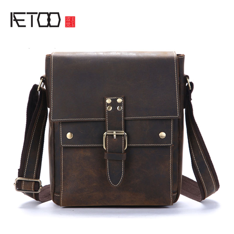 AETOO The first layer of leather shoulder bag diagonal package sand skin men's leather bag
