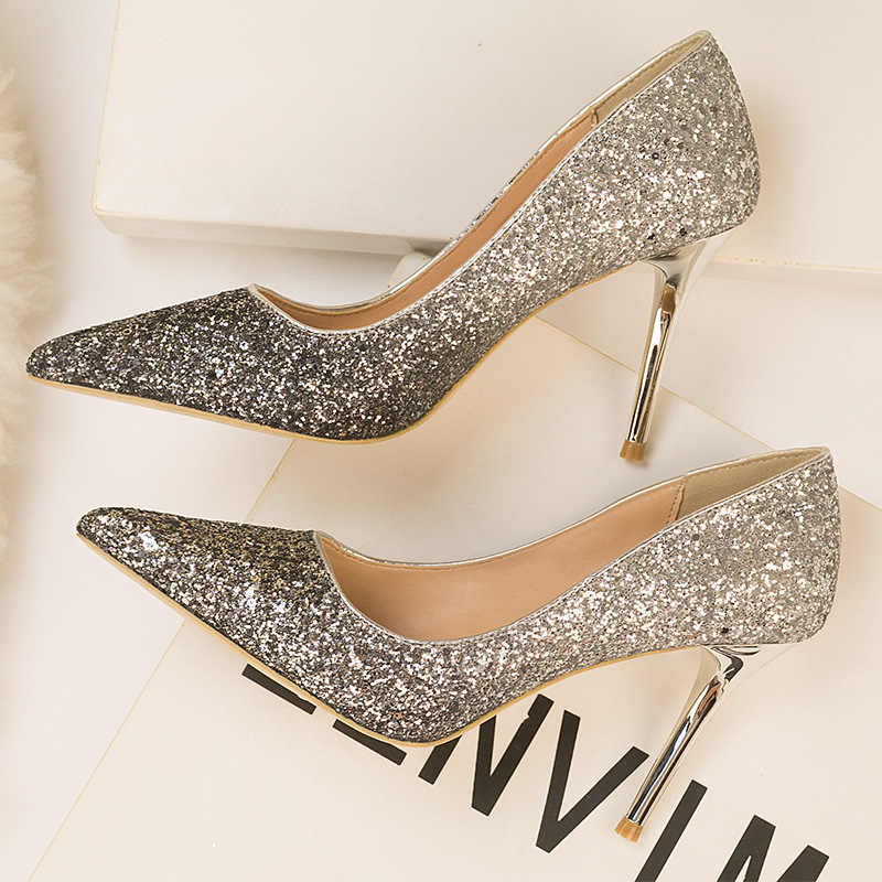 77eebe251c Sexy Pointed Toe Party Wedding Shoes Stilettos Women High Heels Shoes Brand  Fashion Sequined Cloth Pumps For Women's Shoes