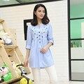 2016 outono novas mulheres grávidas Coreano estilo de algodão com decote em v camisa de manga longa blusas de maternidade bordado céu azul camisas formais