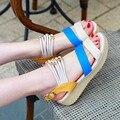 Sapatos femininos sandálias zapatos mujer 2016 New Arrivals moda estilo cores Misturadas sandálias de Verão plana