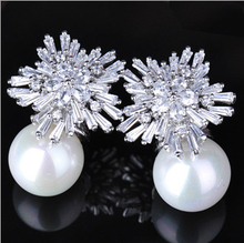 PINFRST Famous Designer Jewelry Sparkling Snow Flower Cubic Zirconia Crystal Setting Big Pearl Stud Earrings For Women (Zircon e