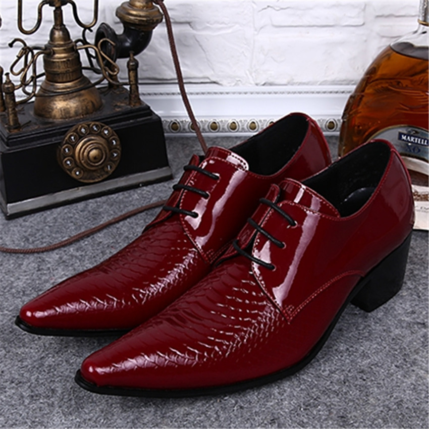 Red Men Patent Leather Pointed Toe Fashion Wedding Dress Shoes Office Lace Up Leather Shoes Creepers Mens Flats Chaussure Homme fashion pointed toe men patent leather oxfords brown lace up mens wedding dress shoes business leather shoes man creepers