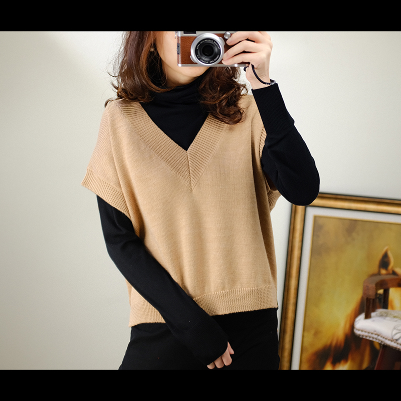 Spring And Autumn 2019 New Waistcoat Knitted Sweater With Pullover, V neck Loose Sleeveless Sweater