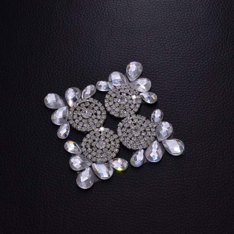 DIY Hot fix Crystal Rhinestone Patches Clear Stone Trimming Bridal Wedding  Dress Garment Clothing Decoration Applique HD 256-in Patches from Home    Garden ... 0505febefdbd