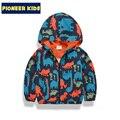 Pioneer crianças 2017 nova chegada do bebê menino de 90-140 cm primavera casacos outerwear jaqueta softshell com capuz para meninos dinossauro crianças casaco