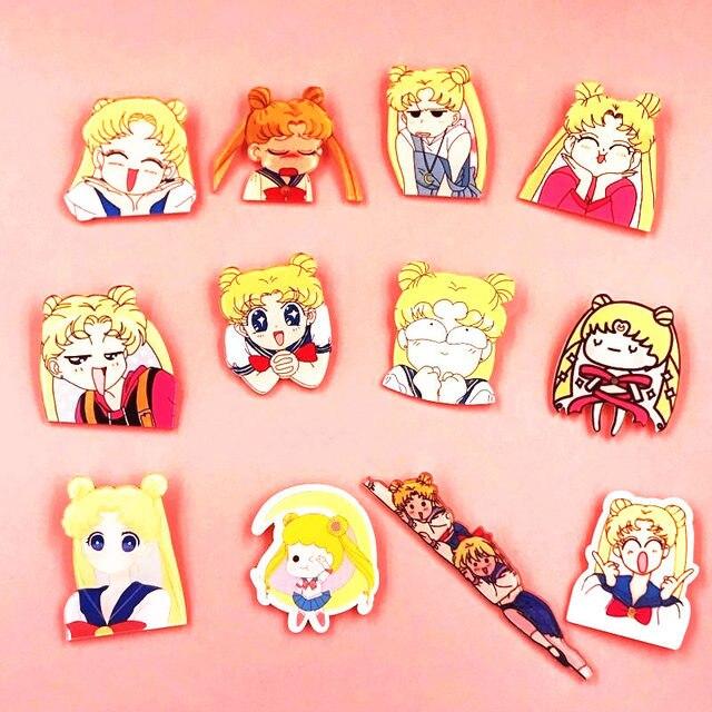 1 pz Bella Del Fumetto di Sailor Moon Delle Ragazze Spilla Acrilico Distintivi e Simboli Icona Zaino Spille Spilli Decorazione Distintivi e Simboli Abbigliamento Per I Bambini Il Regalo