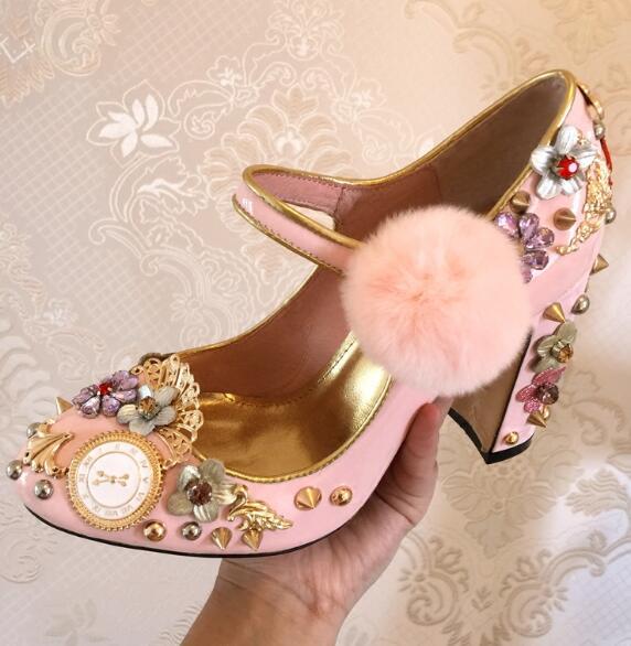Женская обувь на толстом каблуке с круглым носком, украшенная кристаллами, с ремешком на щиколотке, украшенная розовыми помпонами, с заклеп