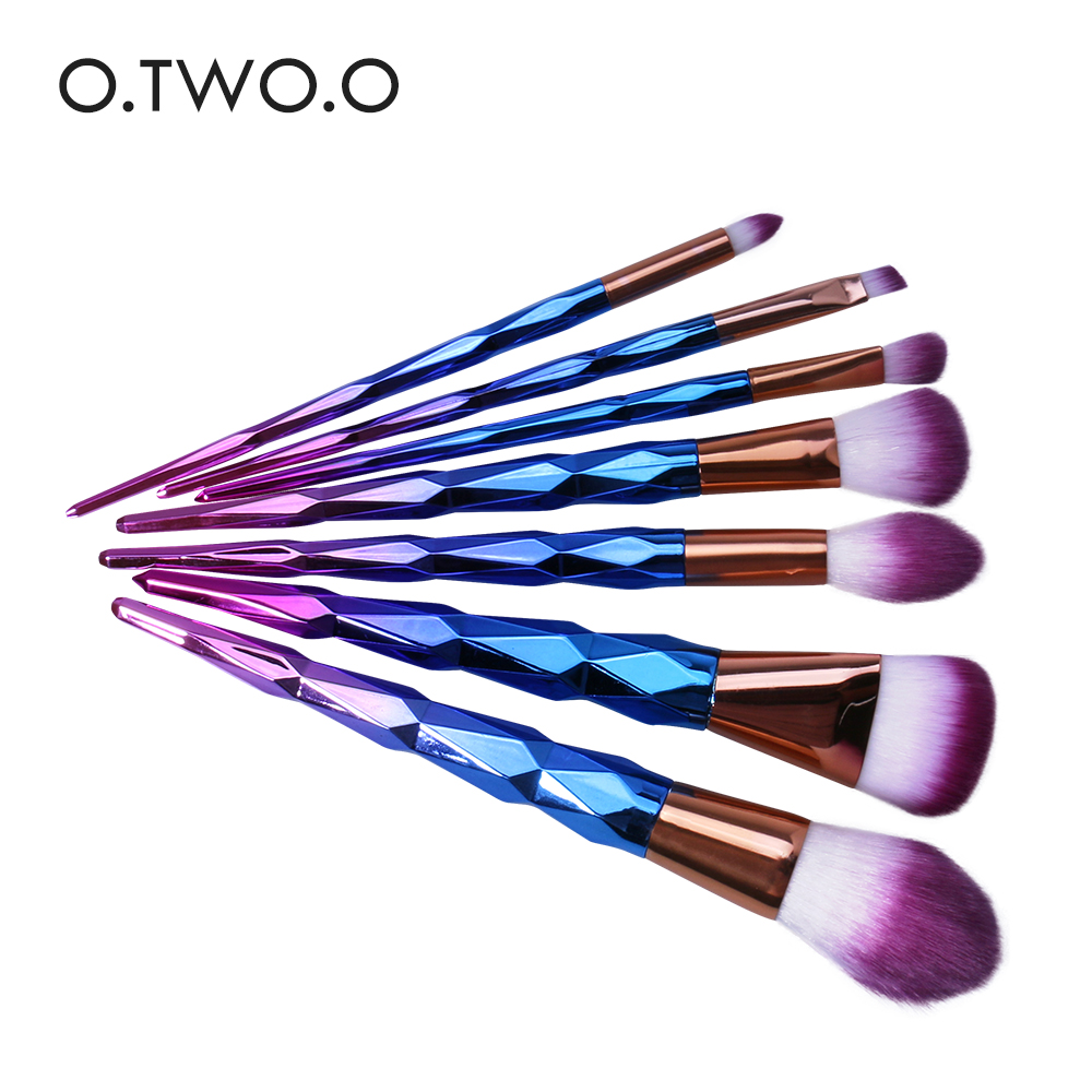 O.TWO.O 7pcs/lot Colorful Makeup Brushes Set Synthetic Cosmetic Powder Brush Blush Blusher Eyeshower Eyeliner Eyebrow Brush Set