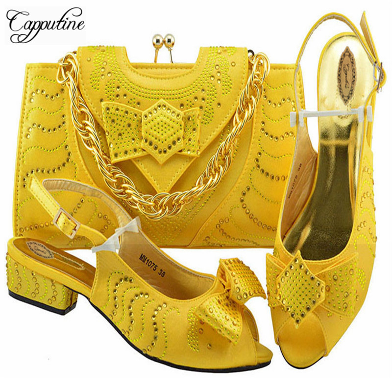 Capputine New Italian PU With Stone Woman Shoes And Bags Set Nigerian Style Yellow Color Low Heels Shoes And Bag Set For Party doershow nigerian style woman shoes and bag set latest yellow italian shoes and bag set for party dress free shipping sab1 3