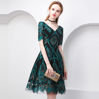 Beauty Emily Green Cocktail Dress Summer V Neck Short Sleeve Bling Sequined Women Party Fashion Designer Short Cocktail Gowns