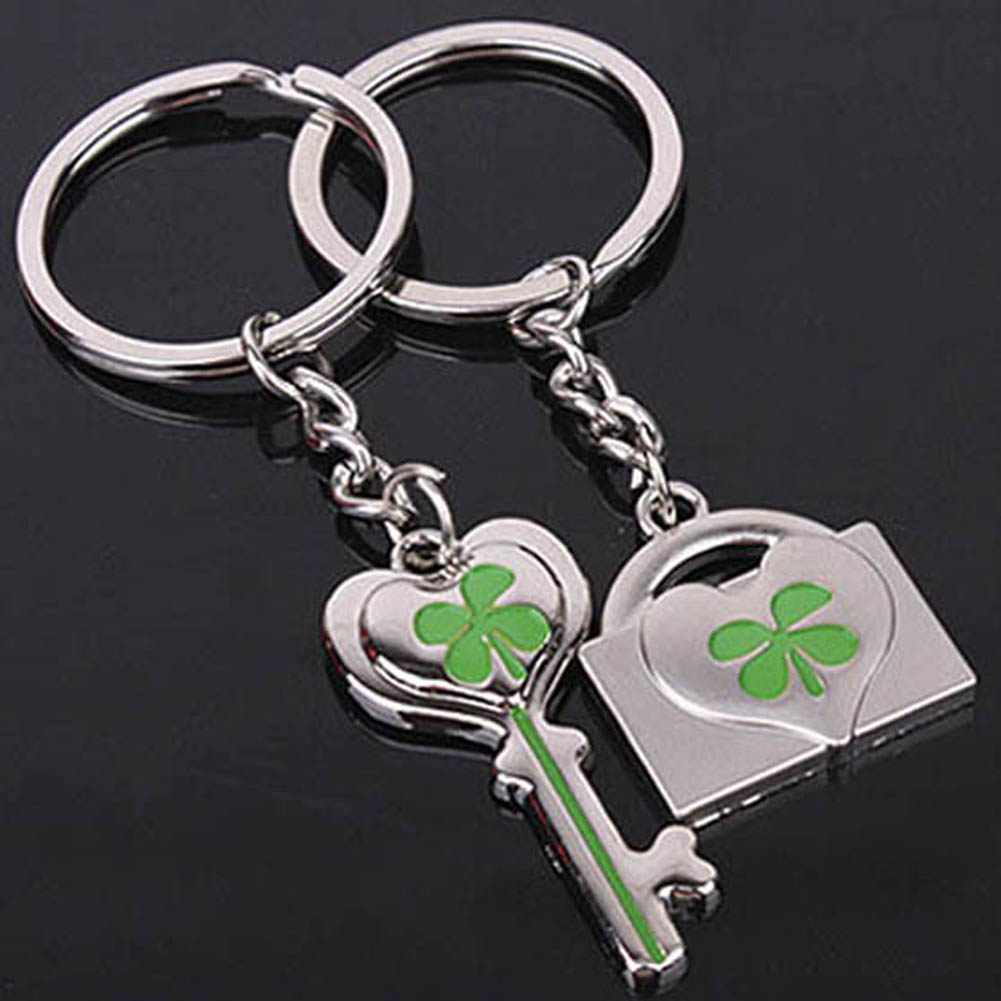 2 PCS Fashion and Lovely Lucky Clover Couple Keychains Small Gifts  Key Chain Hanging Lovers Love Heart