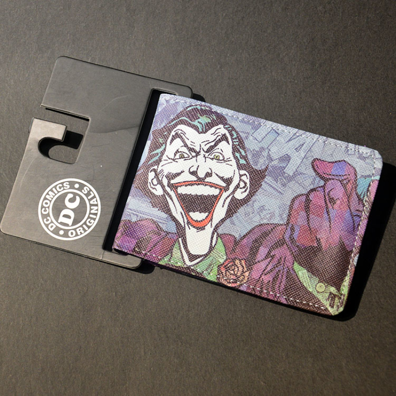 Free ShiFree Shipping Anime Wallets The Joker Batman Vampire Logo wallets Credit Card Holder Bifold Wallet Comics Marvel Purse mens batman logo badge bifold wallet dft 1327