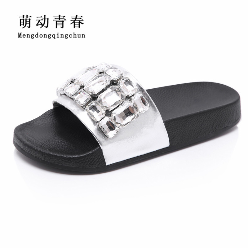 Hot Women Slipper 2018 Fashion Women Luxury Brand Crystal Rhinestone Flat Heels Slides Summer Beach Slipper Sandals Wedges Shoes