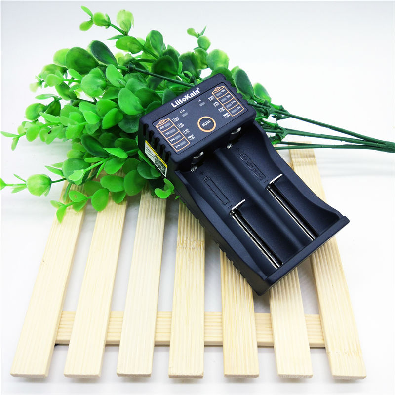 Liitokala Lii-202 18650 battery charger 1.2V 3.7V 3.2V 3.85V AA/AAA 26650 10440 14500 16340 25500 smart charger lii202